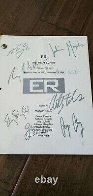 1994 Er Pilot Script Signed Auto By 8 George Clooney Michael Crichton Margulies