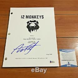 AARON STANFORD SIGNED 12 MONKEYS FULL PAGE PILOT EPISODE SCRIPT with BECKETT COA