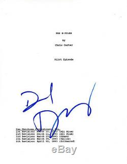 DAVID DUCHOVNY HAND SIGNED'THE X-FILES' PILOT EPISODE SCRIPT withCOA ACTOR RARE