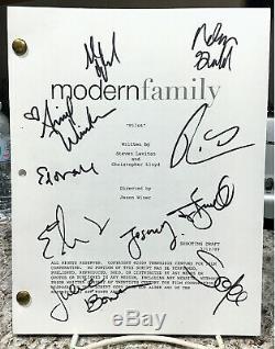 Ed O'neill-vergara-bowen-burrell Modern Family Pilot Script Cast Signed By 10
