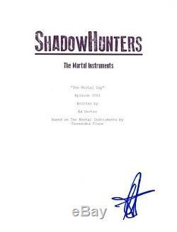 Emeraude Toubia Signed Autographed SHADOWHUNTERS Pilot Episode Script COA
