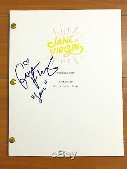 GINA RODRIGUEZ SIGNED JANE THE VIRGIN FULL PILOT SCRIPT withCHARACTER NAME & PROOF