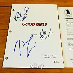 GOOD GIRLS SIGNED PILOT SCRIPT BY 3 CAST with BECKETT BAS COA CHRISTINA HENDRICKS
