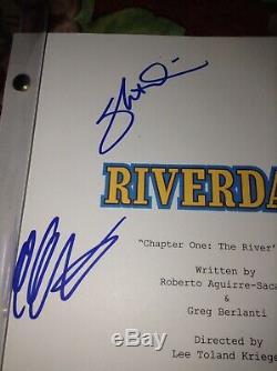 Riverdale SIGNED FULL PILOT 8 AUTOGRAPHS KJ APA LILIE REINHART SKEET ULRICH +5