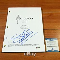 SOPHIE SKELTON SIGNED OUTLANDER PILOT EPISODE SCRIPT with BECKETT BAS COA