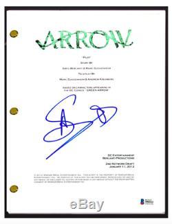 Stephen Amell Signed Autographed ARROW Pilot Episode Script Beckett COA