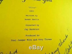 THE GOLDEN GIRL Script Pilot #001 Autographed by The 4 Star Ladies
