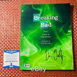 VINCE GILLIGAN SIGNED BREAKING BAD FULL PAGE PILOT SCRIPT with BECKETT BAS COA