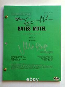 Vera Farmiga & Freddie Highmore Bates Motel Signed Pilot Script Norman & Norma