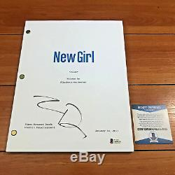 Zoey Deschanel Signed New Girl Full 36 Page Pilot Episode Script Beckett Bas Coa